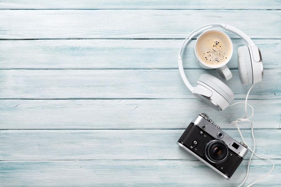 カメラとヘッドフォン